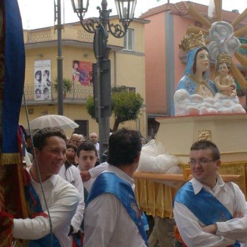 Partono anche dal Casertano i fujenti della Madonna dell'Arco