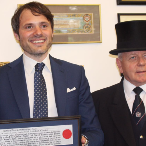 Al manager casertano Raffaele Petrone il Freedom of the City of London