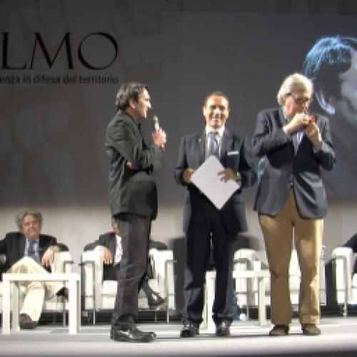 Vittoria Sgarbi conquista Capua e il suo Elmo. Inaugurata opera di Casanova