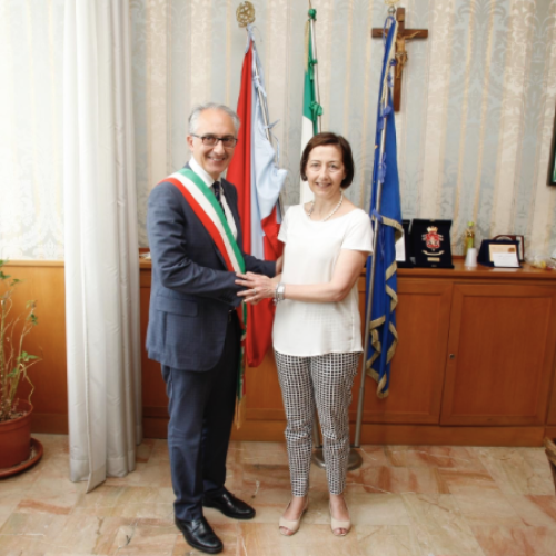 Marino si insedia al Comune di Caserta