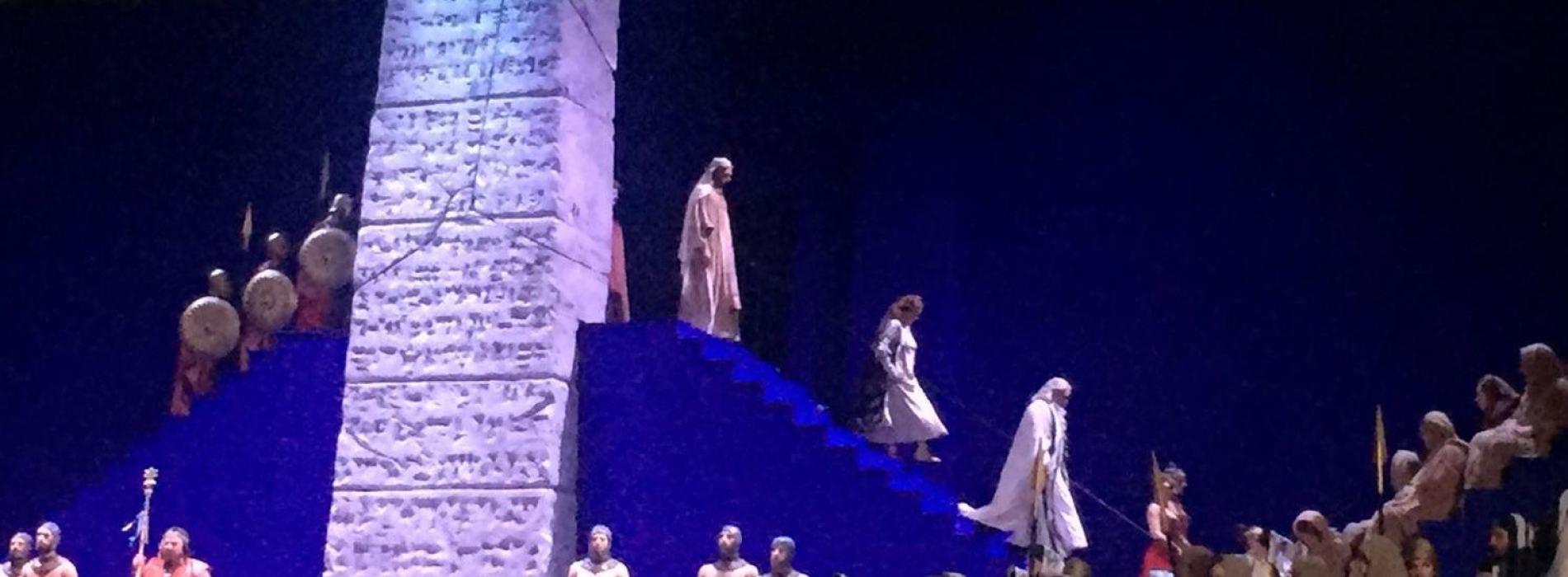 Un Nabucco nel blu dipinto di blu. Nella Reggia di Caserta il trono di Babilonia