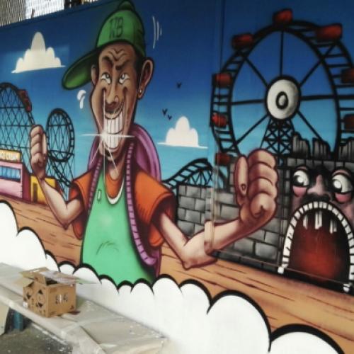 Il murales del sorriso. La stazione di Edenlandia si rifà il look