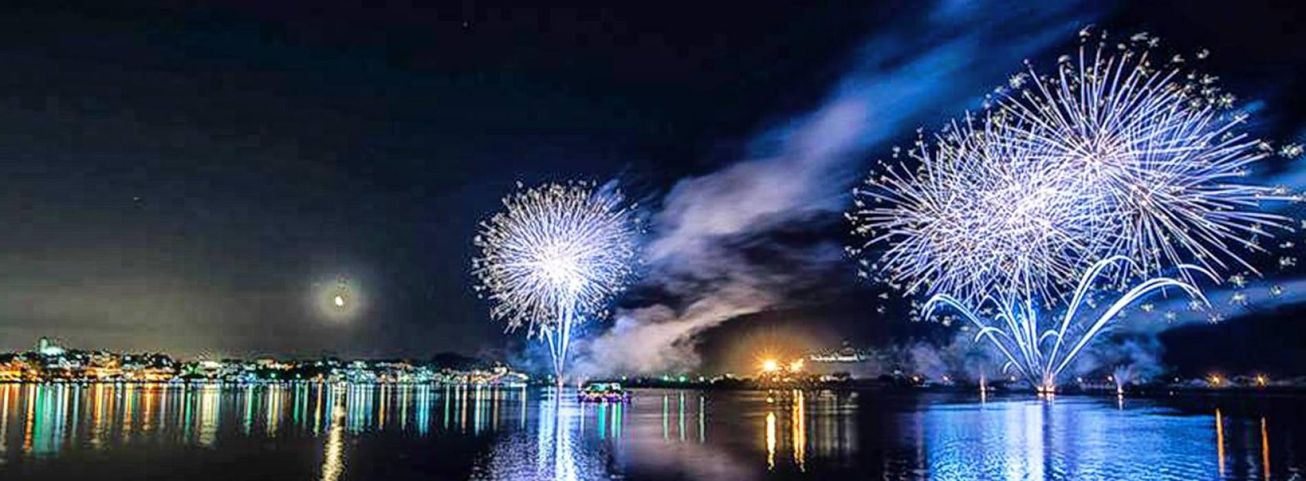 Fuochi sul Lago Miseno. Finisce la festa di Sant'Anna