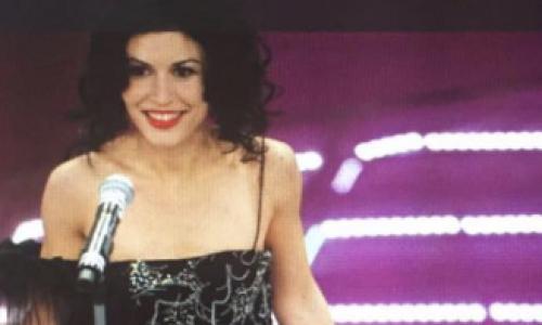 Sisma, Giusy Ferreri dona un abito made in Caserta