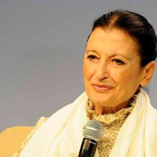 Carla Fracci e la Reggia. Auguri per i suoi 80 anni