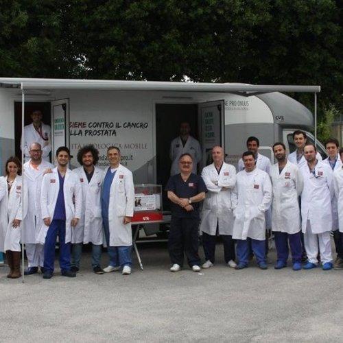 Prevenzione, gli urologi arrivano in camper a Caserta