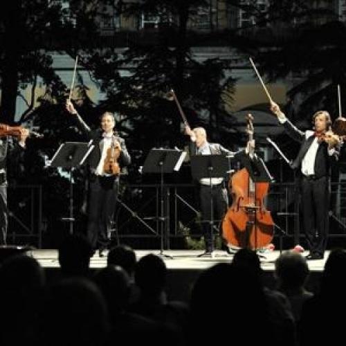 Capodanno con sinfonia di bollicine al Teatro Ricciardi