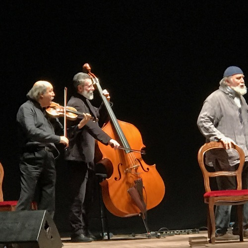 """Moni Ovadia, un cabaret yiddish con un gusto """"asprinio"""""""