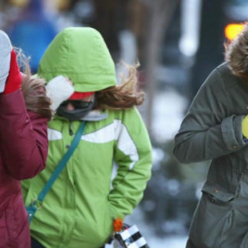 Al freddo e al gelo. Il Comune di Caserta avverte: No auto!