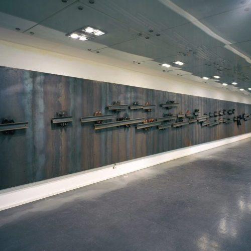 Napoli ricorda Jannis Kounellis con il Metro Art Focus Tour