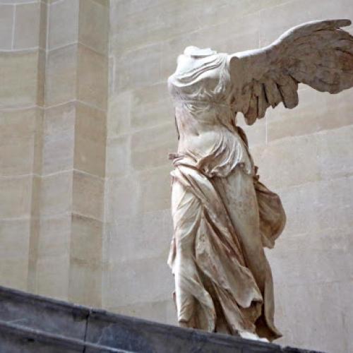 Aeroporto archeologico: l'arte si fonde con i viaggi