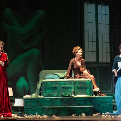 Teatro Nuovo di Napoli, quel lungo sguardo sul contemporaneo