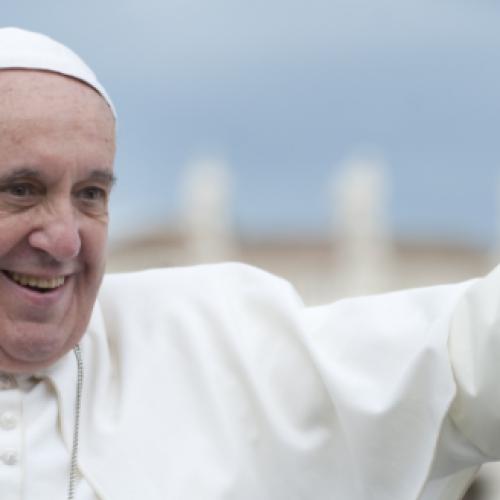 Dieci anni di Caffè Procope, ecco il libro su Papa Francesco