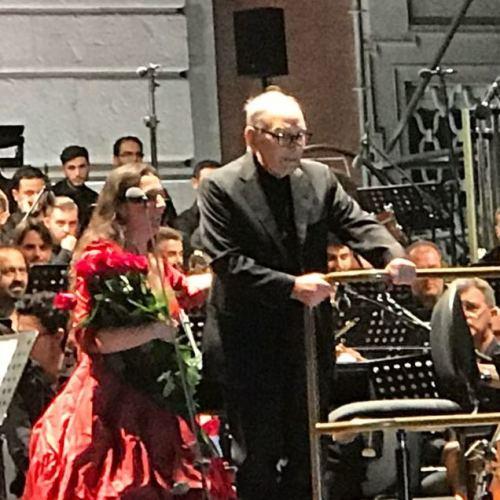 Il podio si trasforma in trono, Ennio Morricone concede il bis