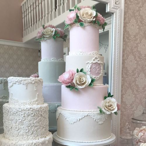 Torte come opere d'arte, le Cake Sisters Pace aprono a Capua