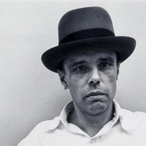 """Dalla Reggia al PAT, un """"ritorno"""" a Caserta per Joseph Beuys"""