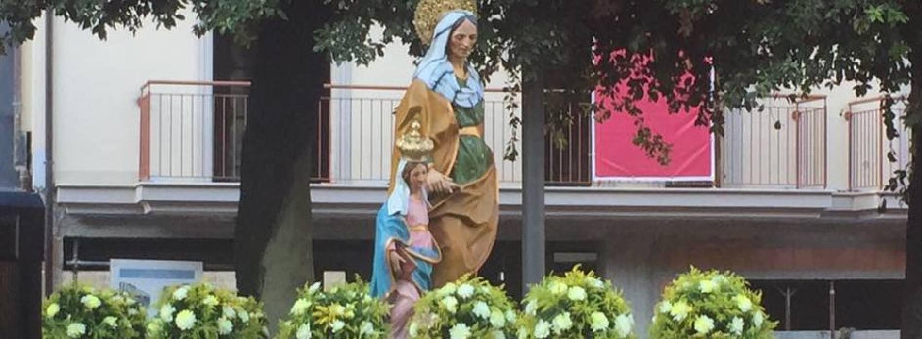 Caserta in giallo-verde, peregrinazio di Sant'Anna per la città