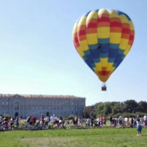 Una mongolfiera nel Parco, per un volo sulla Reggia di Caserta