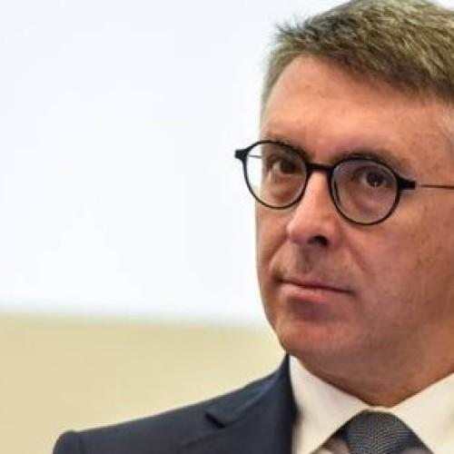 La corruzione spuzza e Cantone spiega il perchè