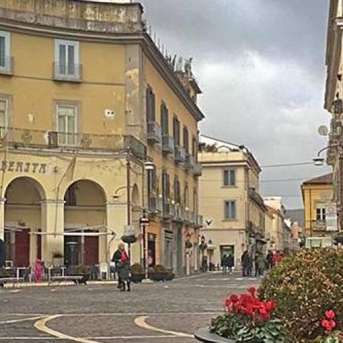 Benvenuti al paradiso, benvenuti all'inferno della Campania