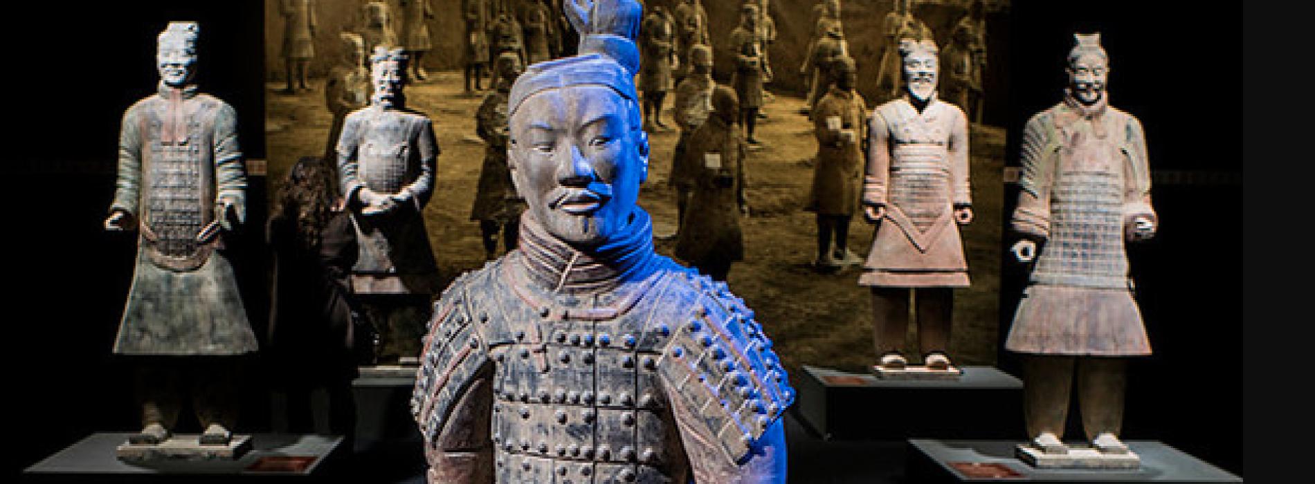 """Dalla Cina, un esercito di terracotta """"conquista"""" Napoli"""
