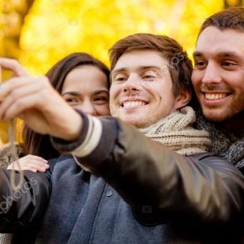 L'esercito del selfie sbarca a Caserta, con convegno e mostra