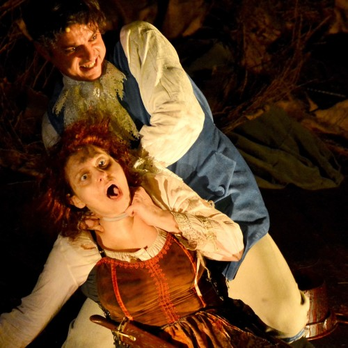 Caserta. Il baciamano di Manlio Santarelli al Teatro Civico 14