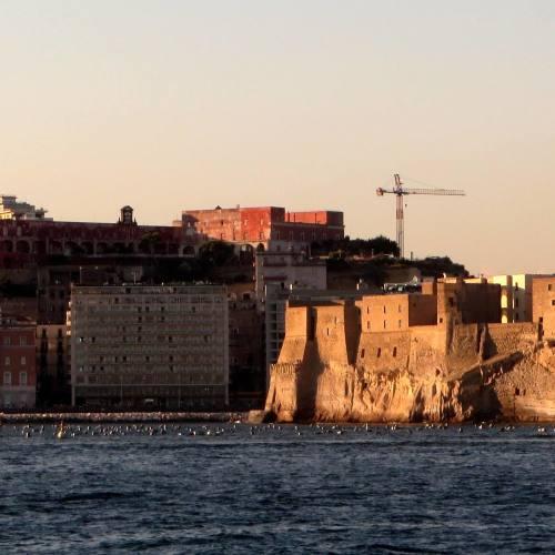 Batò Naples, alla scoperta della Partenope che guarda il mare