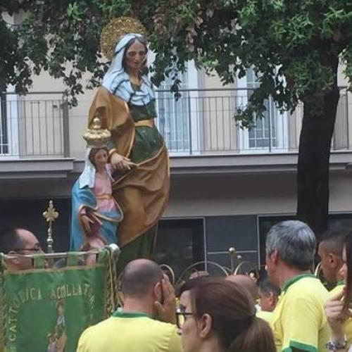 Caserta in giallo-verde, peregrinatio di Sant'Anna per la città