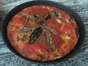Pizza nel ruoto classica pizzeria Bronzetti, Castel Morrone