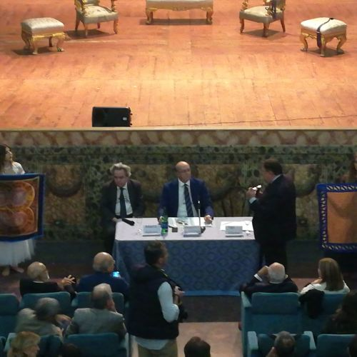 Reggia style, cravatte e foulard di Ugo Cilento firmati Caserta