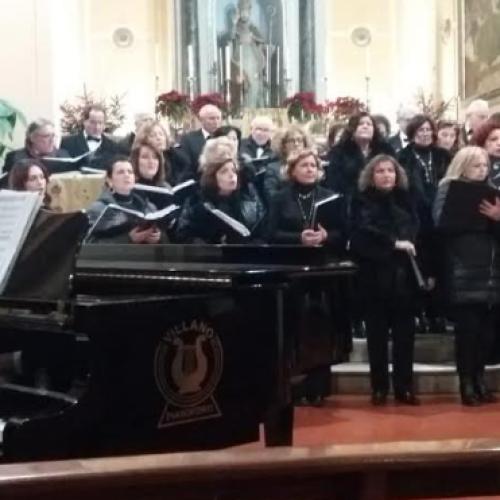 A Macerata Campania i cori Musique Esperance e Note Legali