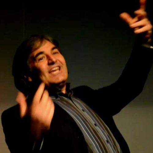 Teatro, al Piccolo di Caserta Angelo Bove è Faber la leggenda