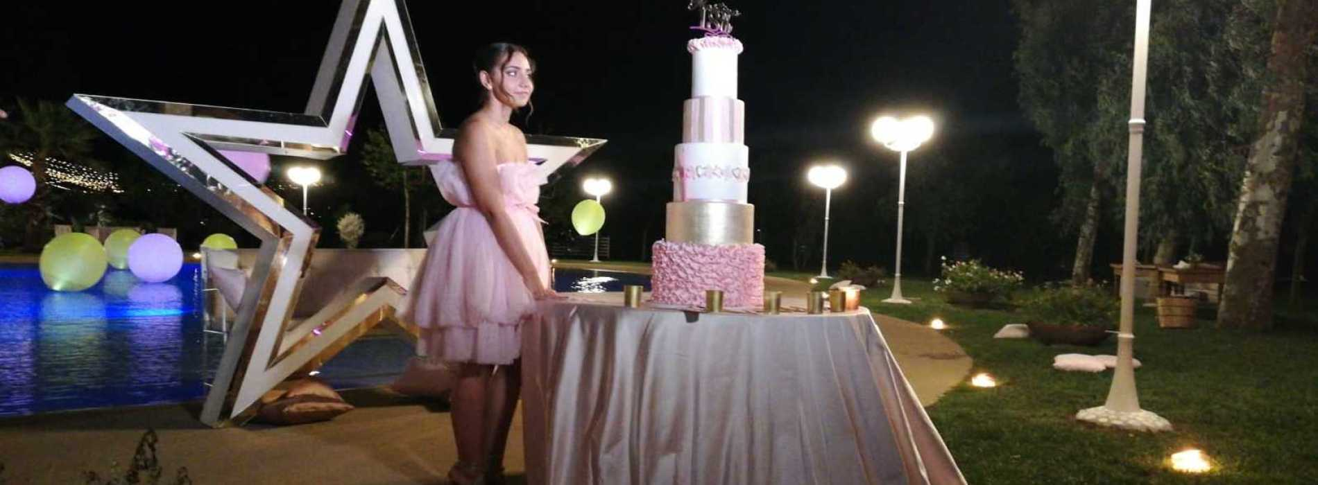 Martina Ledda, fashion party dei 18 anni con quadro d'autore
