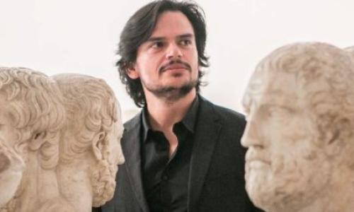Tommaso Ariemma a Caserta. La pop-filosofia? Accendi la Tv!