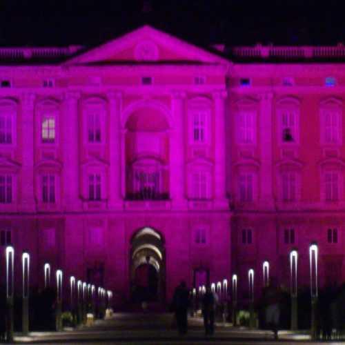 Notte rosa a Caserta, la Reggia testimonial della LegaTumori