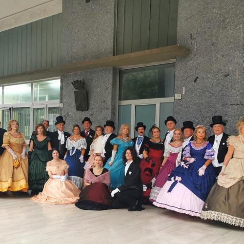 Passi e Note a Caserta, la pioggia non ferma le danze storiche