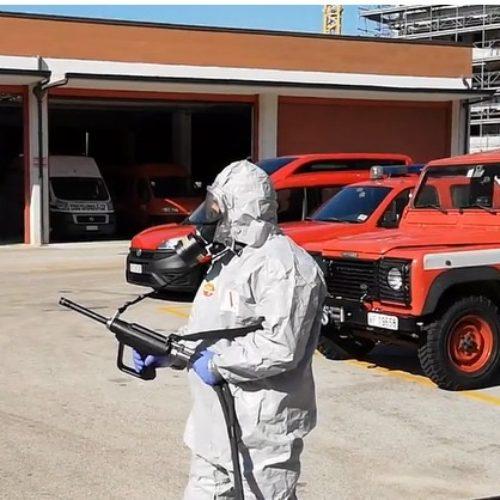 Covid-19. Vigili del fuoco,  sanificazione del centro di Caserta