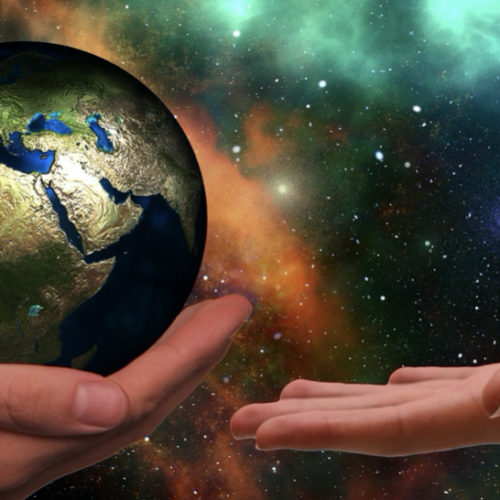 Il mantra Om ai tempi del Covid, un canto per il pianeta Terra