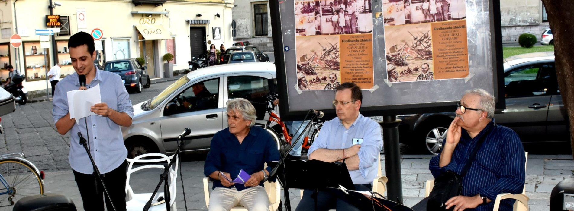 Cavalieri e corsari in piazza Vanvitelli, piace il libro di Ghidelli