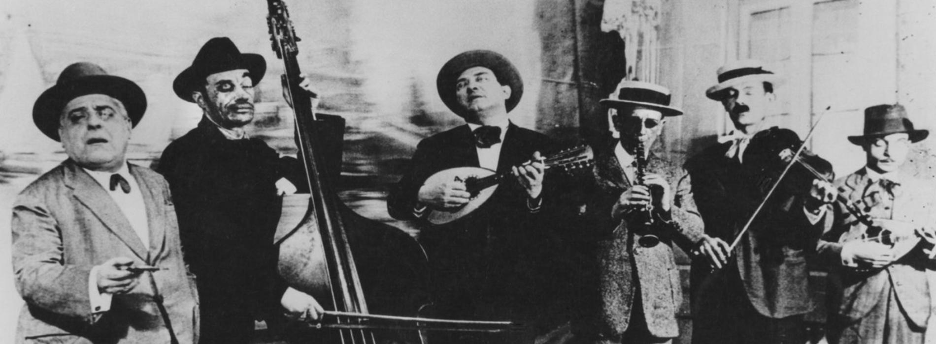 Senso Viviani, omaggio in foto musica e poesia al grande commediografo