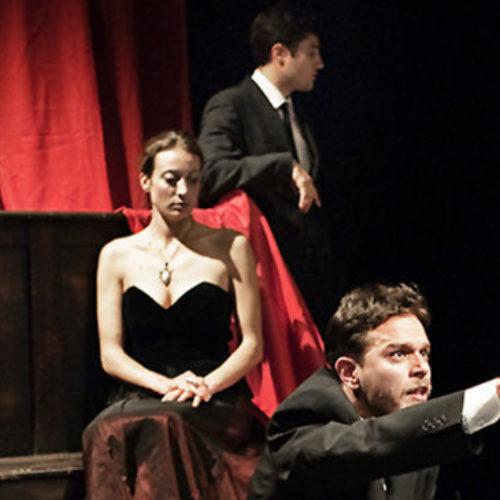 Teatro di Cortile, a Palazzo Firrao va scena la Compagnia The Hats