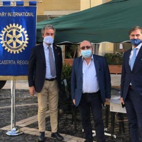 Il Rotary in piazza, impegno anti-covid con mascherine gratis