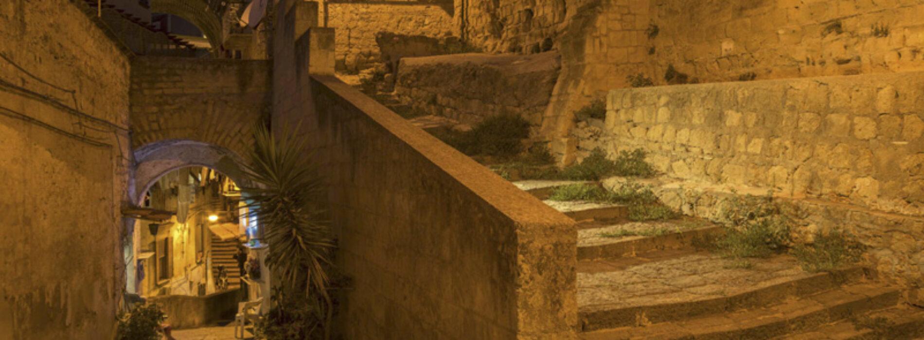 Pan, la mostra fotografica sulle scale di Napoli nei secoli