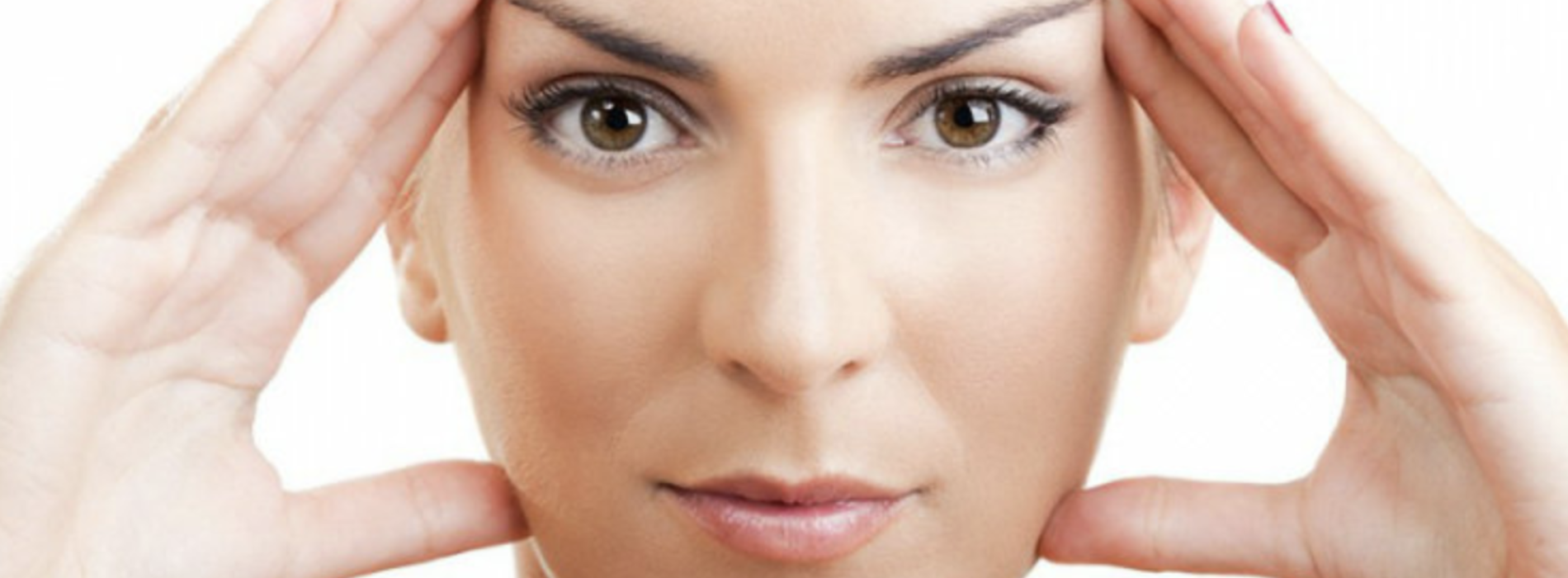 Yoga facciale, il segreto per una pelle tonica e luminosa