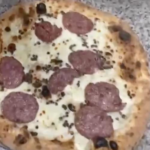 Giuseppe Pignalosa, la Dea Fortuna è una pizza con cotechino