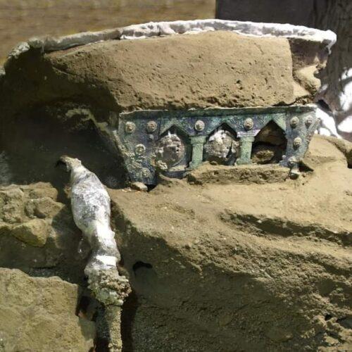 Nozze a Pompei, dagli scavi affiora il grande carro cerimoniale