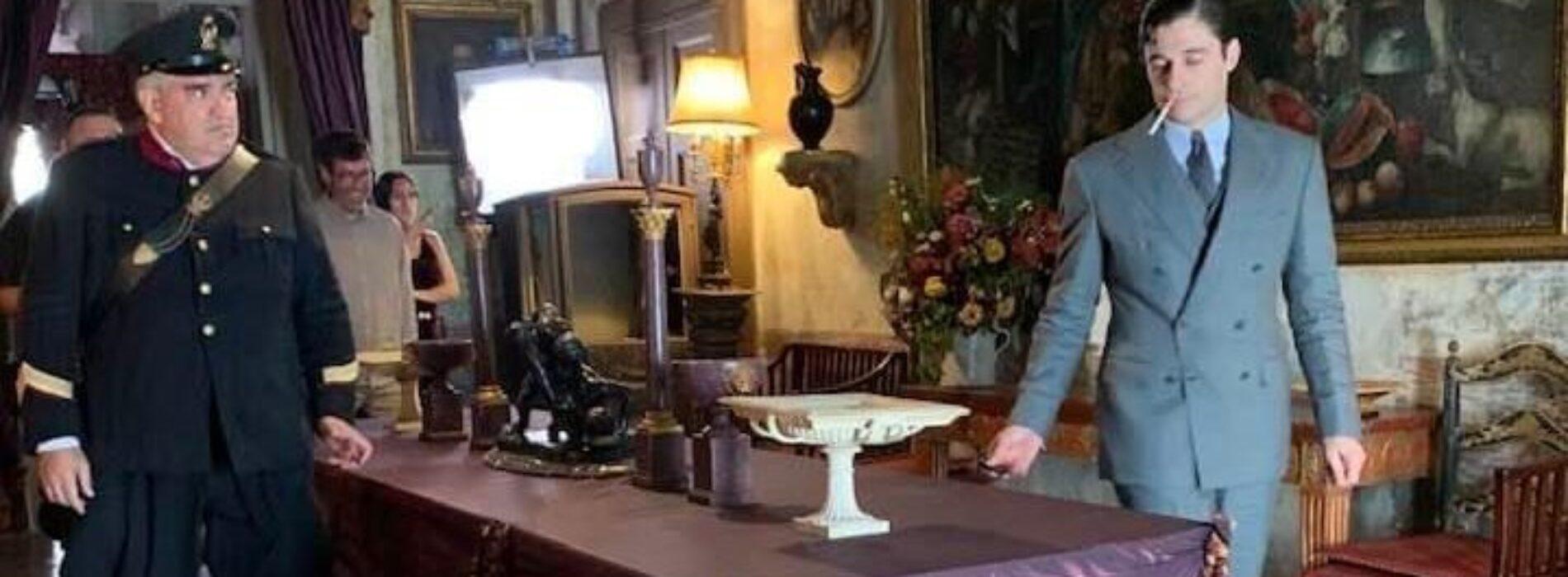 Capodrise in tv, ecco il commissario Ricciardi a palazzo Mondo