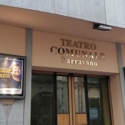 Luci accese al Teatro Comunale, ma l'apertura è solo simbolica