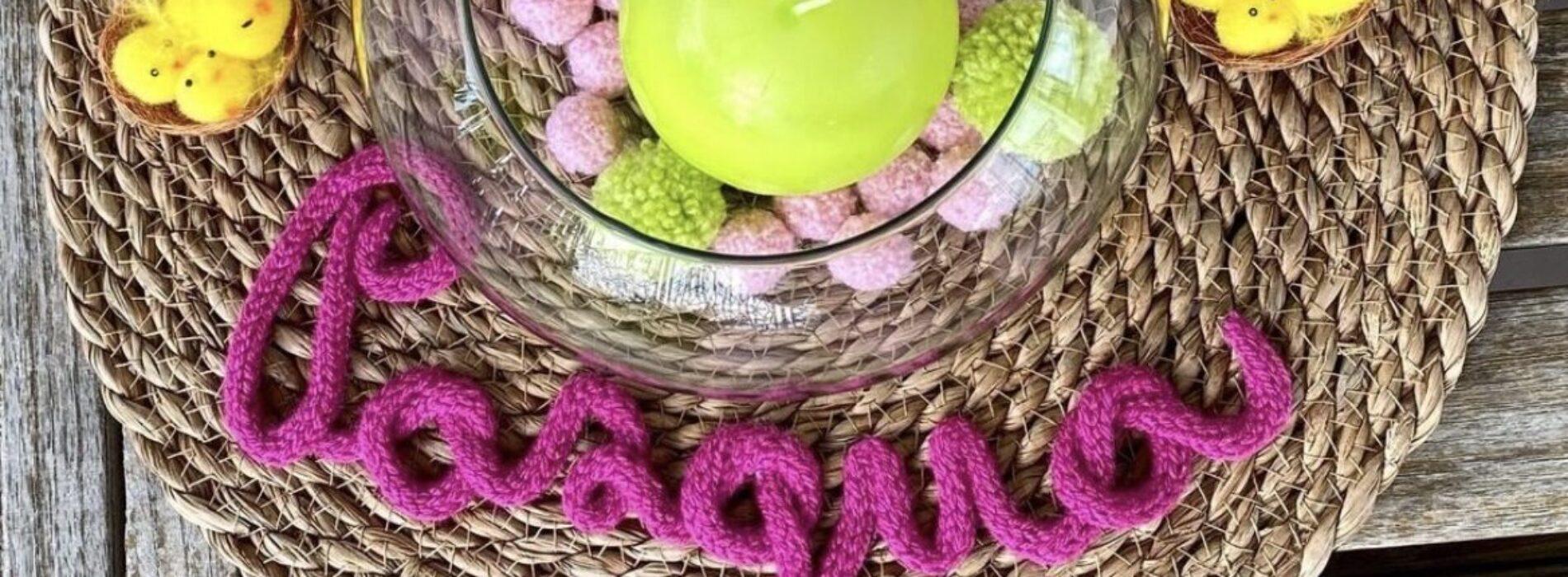 Pasqua, fiori o parole di lana per decorare la tavola